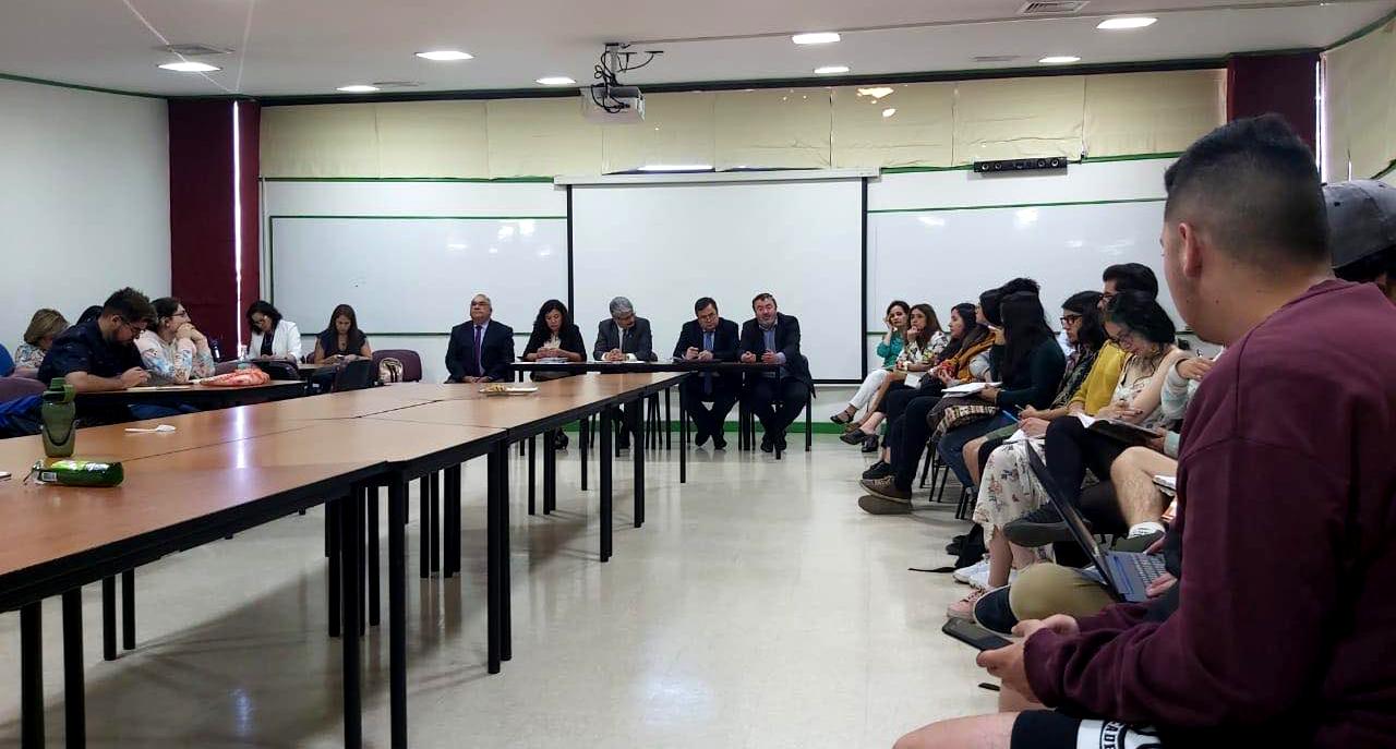 Reunión de Estudiantes y Autoridades UBB